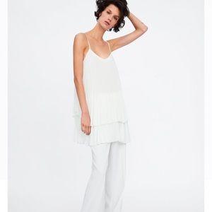 White pleated top / mini dress